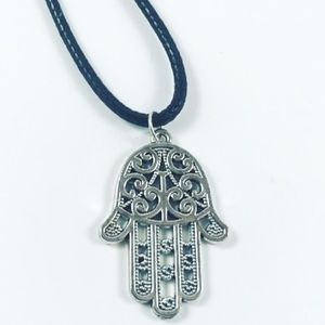 🔴SALE ! Silver plated leather hamsa hand necklace
